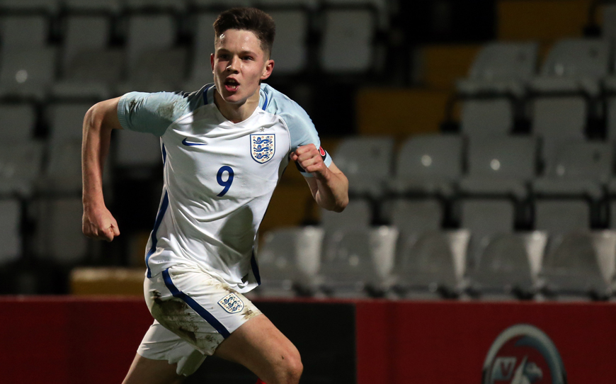 England Smash Seven To Reach Toulon Semi-Final