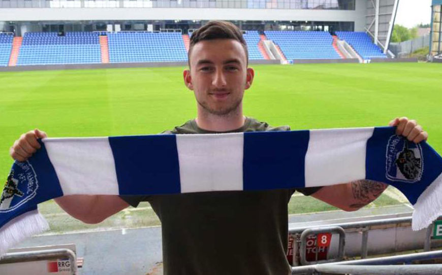 Fawns Earns First Pro Deal At Oldham