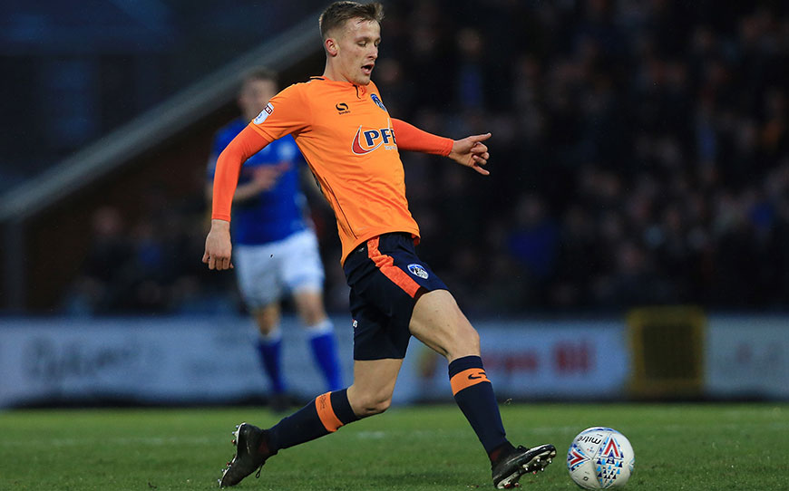 Hamer Signs Pro Deal With Oldham